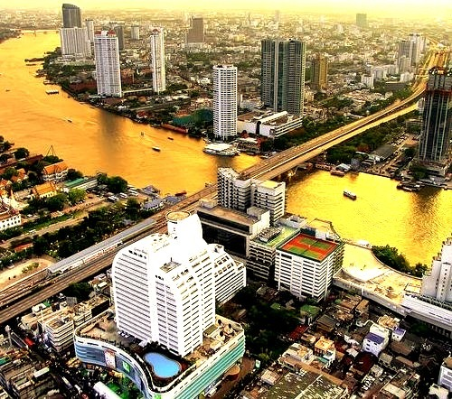 by I Prahin on Flickr.Chao Phraya river, sometimes called River of Angels, running through downtown Bangkok, Thailand.