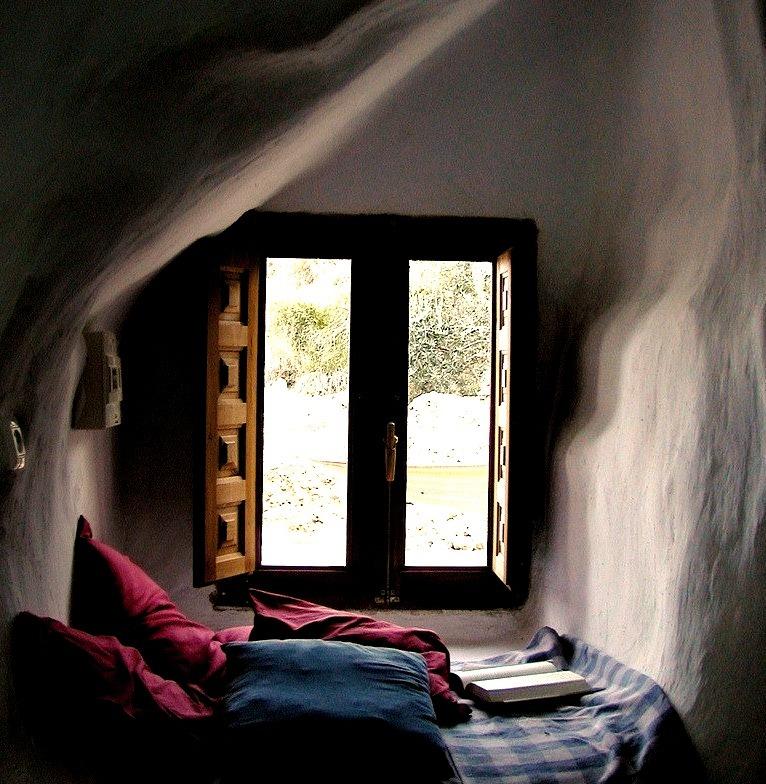 Reading Alcove, Spain